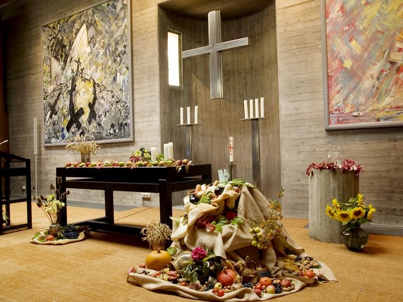 Altarraum an Erntedank